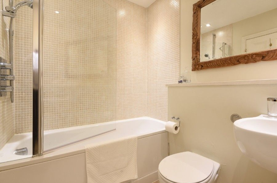3 Monteagle | Bathroom