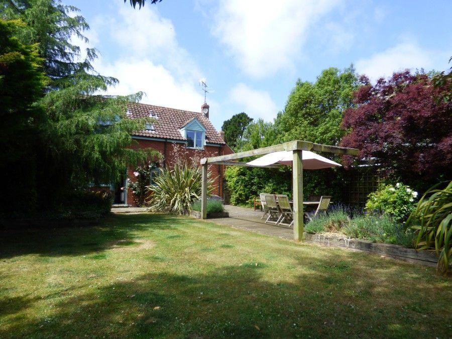 2 Hunts Cottages   Garden