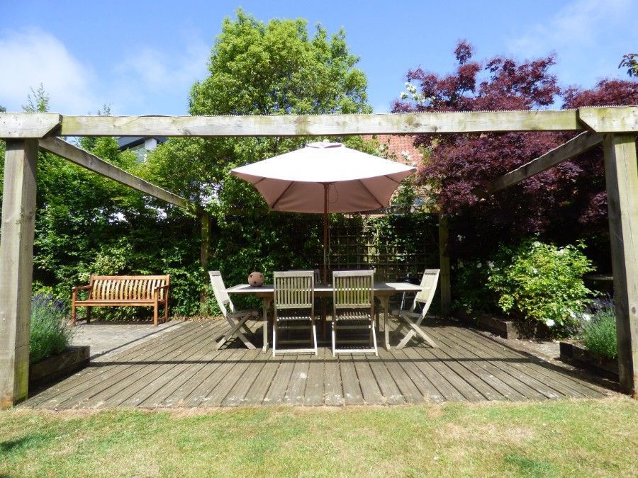 2 Hunts Cottages | Outdoor seating area