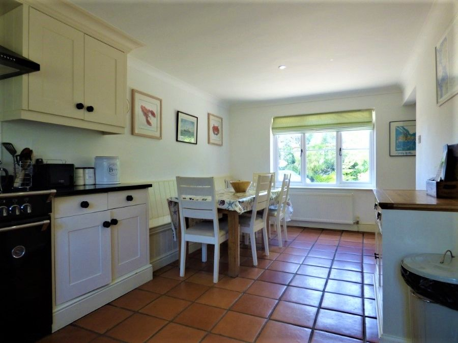 2 Hunts Cottages | Kitchen