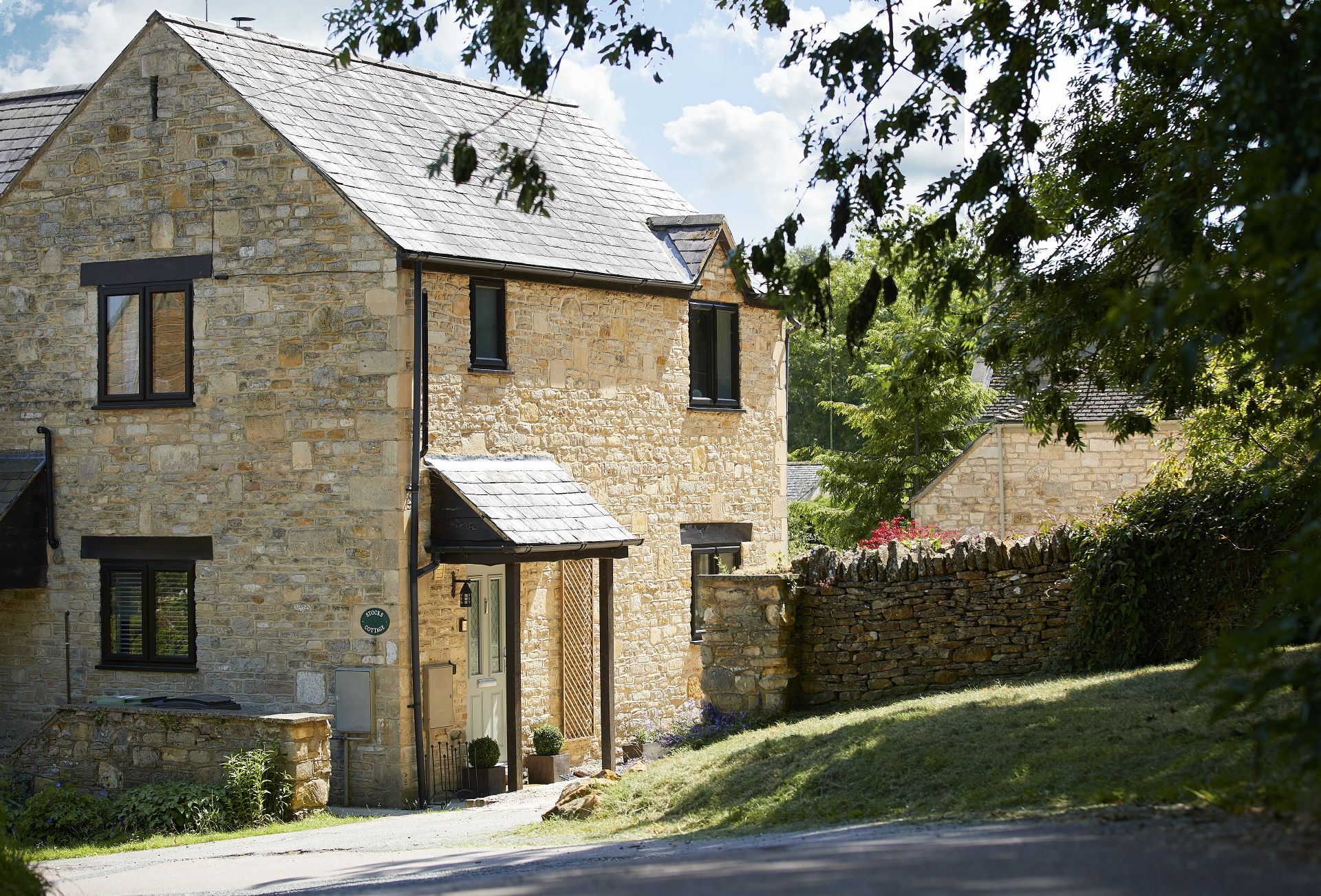 This delightful cottage takes its name from the old village stocks which are positioned close by to the property