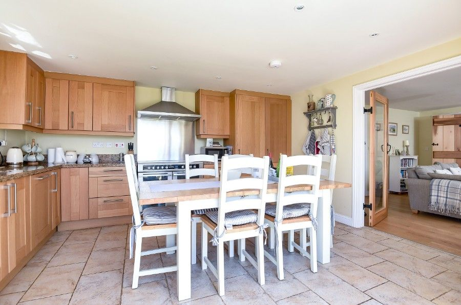 Hare Cottage in Ringstead | Kitchen