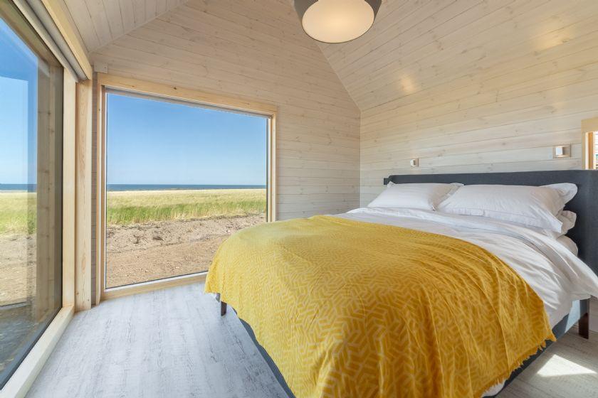 King size bed, sea views, en-suite bathroom