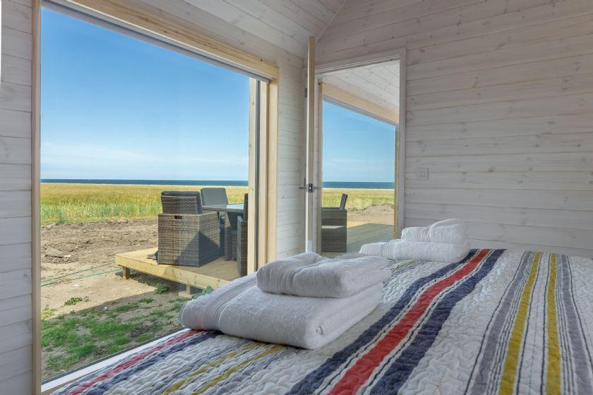 Super king zip and link bed, sea views, en-suite