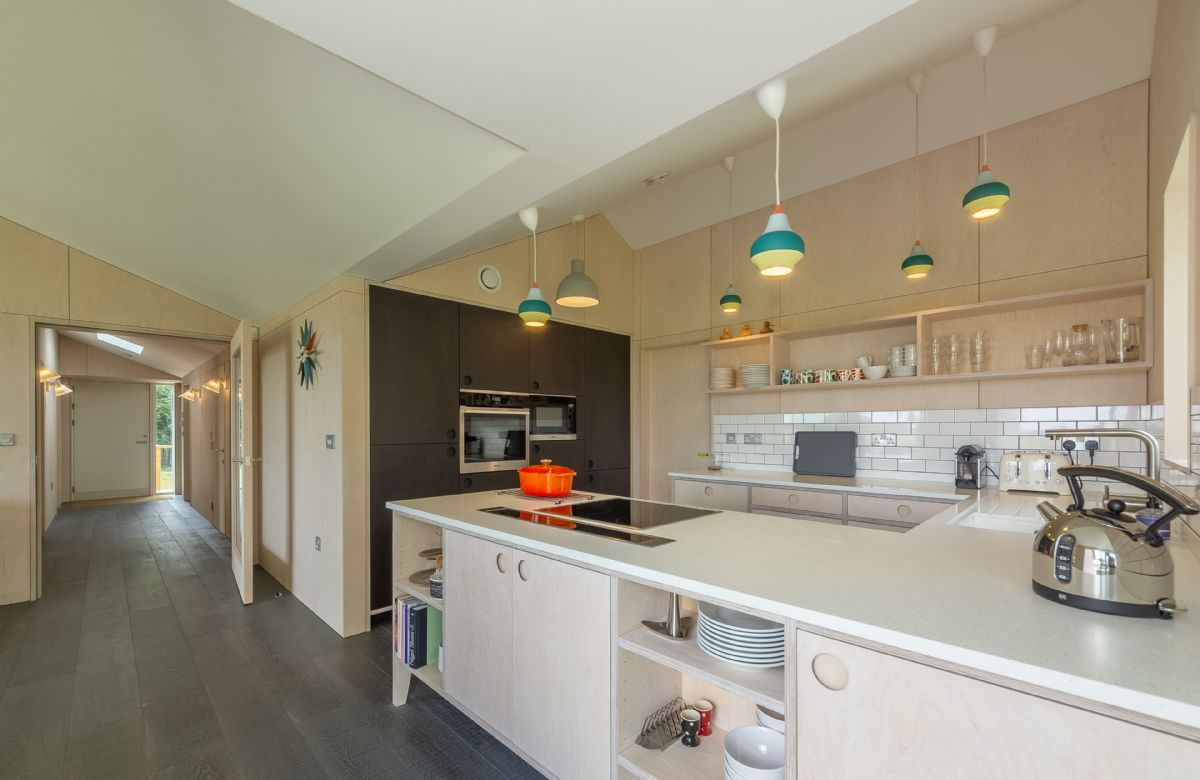 Enjoy cooking and being sociable with this open plan layout