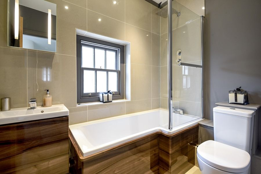 Cathedral Loft | Bathroom
