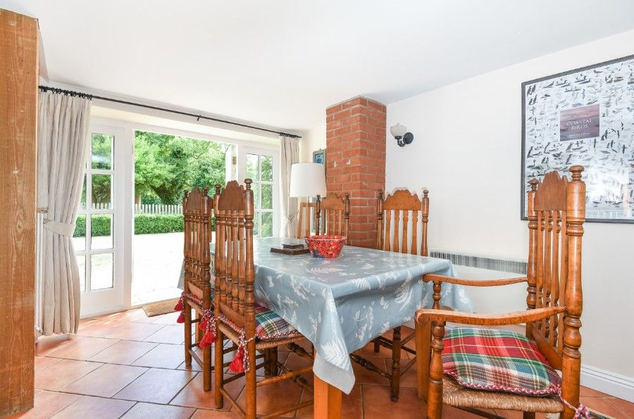 Garden Cottage | Dining area