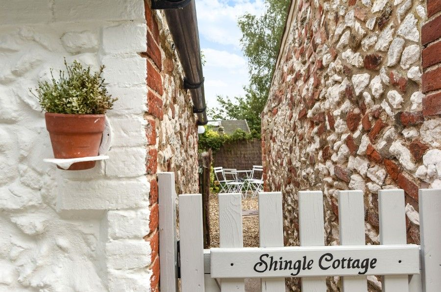 Shingle Cottage |