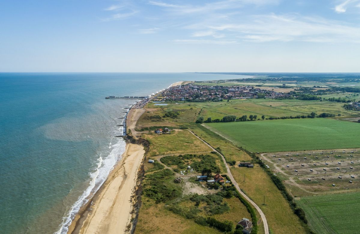 It's a is a mere 5-minute bike ride or 15-minute walk on a private track from the charming seaside town of Southwold