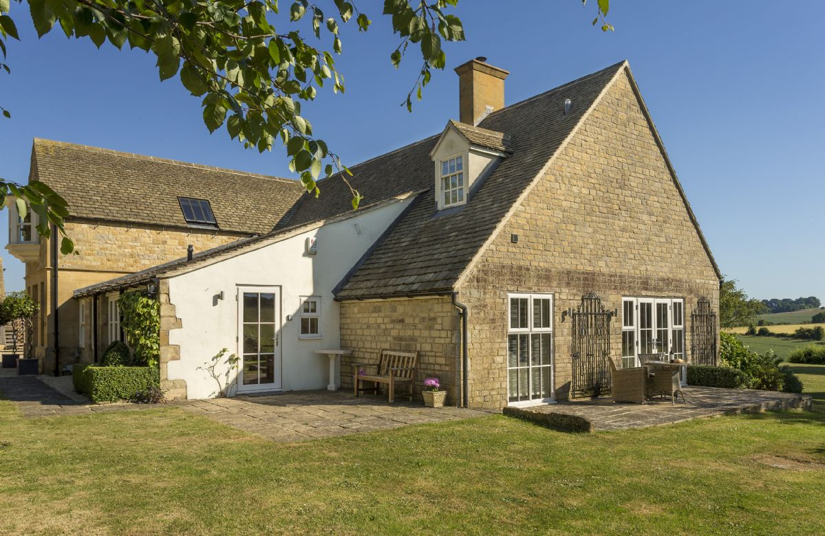The cottage is admirably placed in the heart of the north Cotswolds