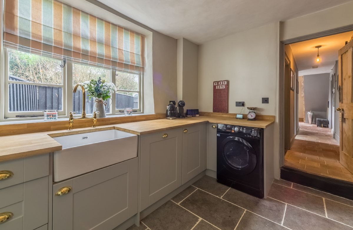 Ground floor:  Fully fitted kitchen with belfast sink
