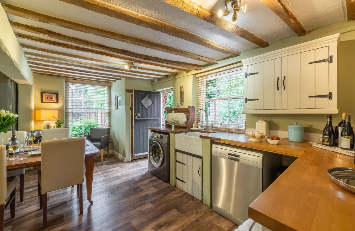 Ground floor: Large kitchen/dining room