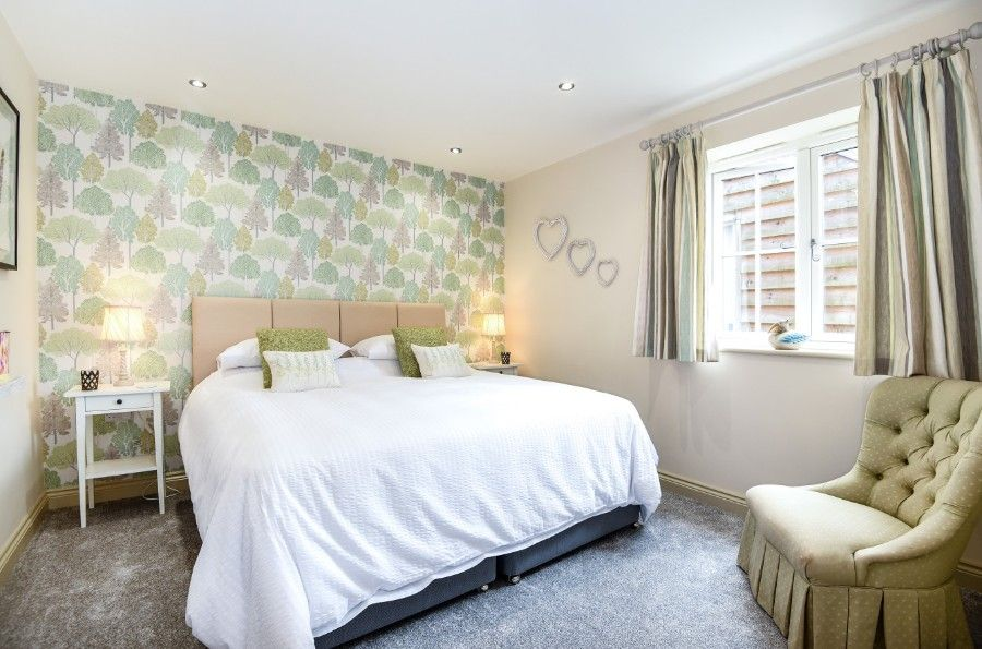 Mill House Lodge | Bedroom 1