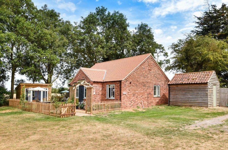 Mill House Lodge   Outside