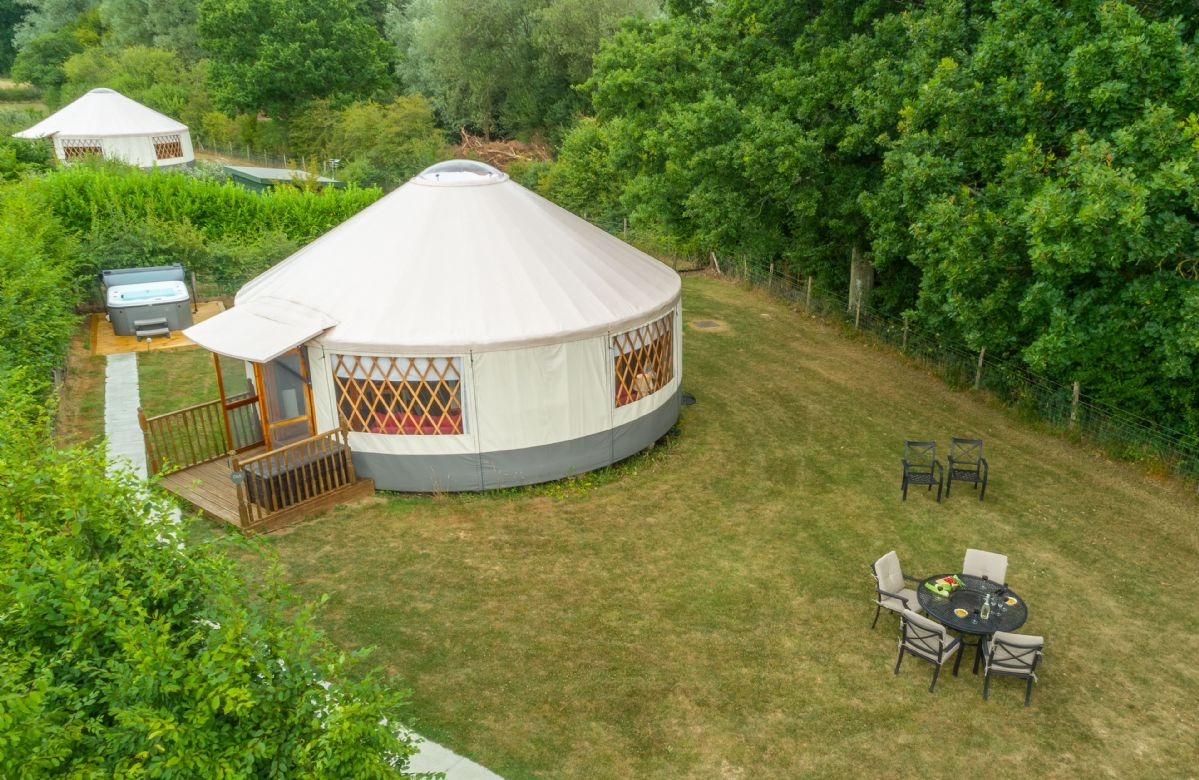 Oak Yurt and its sister's Ash Yurt and Willow Yurt, are located in a peaceful spot, each with its own private garden and hot tub