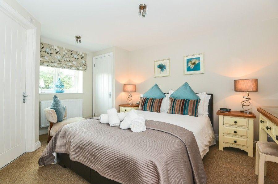1 King William Cottage   Bedroom 1