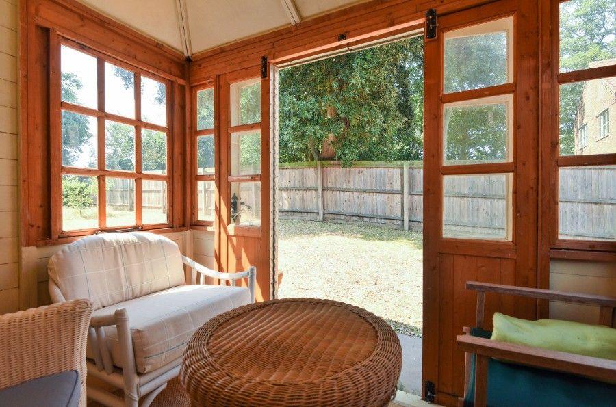 Honeysuckle Cottage | Summer house