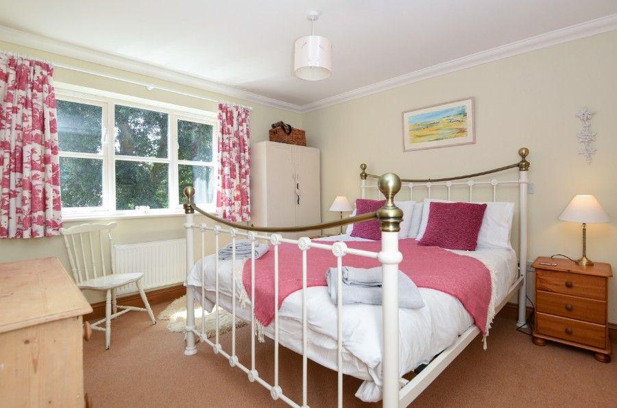 Honeysuckle Cottage | Bedroom 1