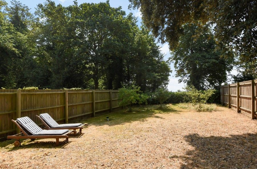 Honeysuckle Cottage | Garden