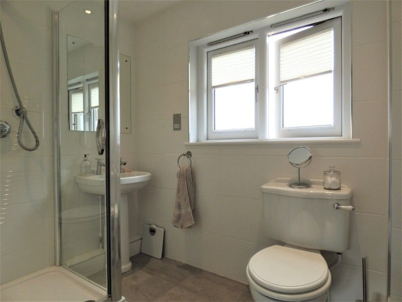 Salt Marsh | Upstairs shower room