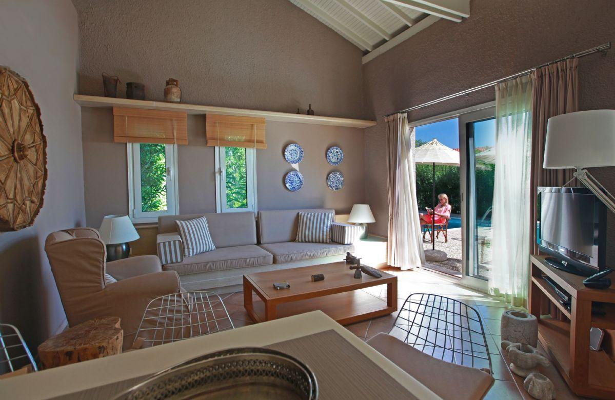 Ground floor: Open plan kitchen/dining/sitting area