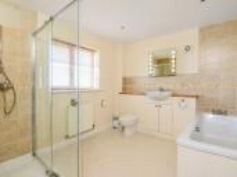 Sandbanks | Bathroom