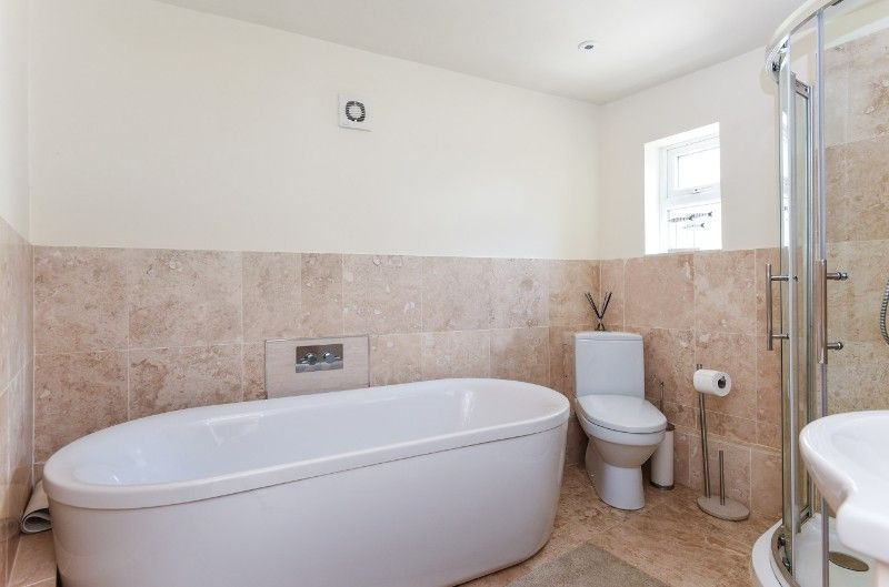 Hill Top | Bathroom