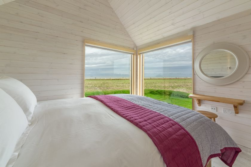 The Watch Room King size bed, sea views, en-suite facilities.