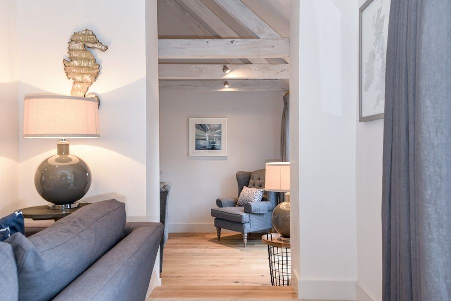 Sandpiper 2 bedrooms | Through to snug