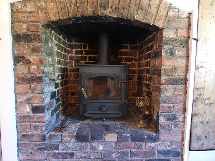 Crows Nest Cottage | Wood burner