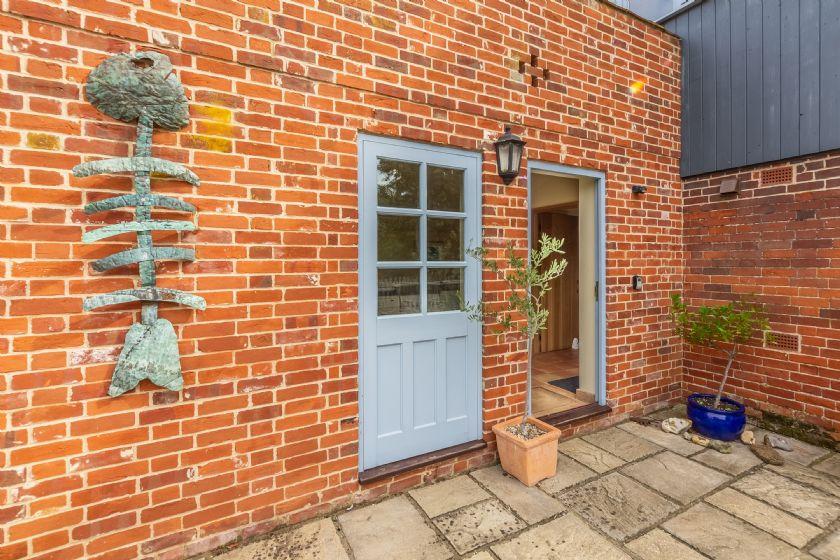 Courtyard door to utility room