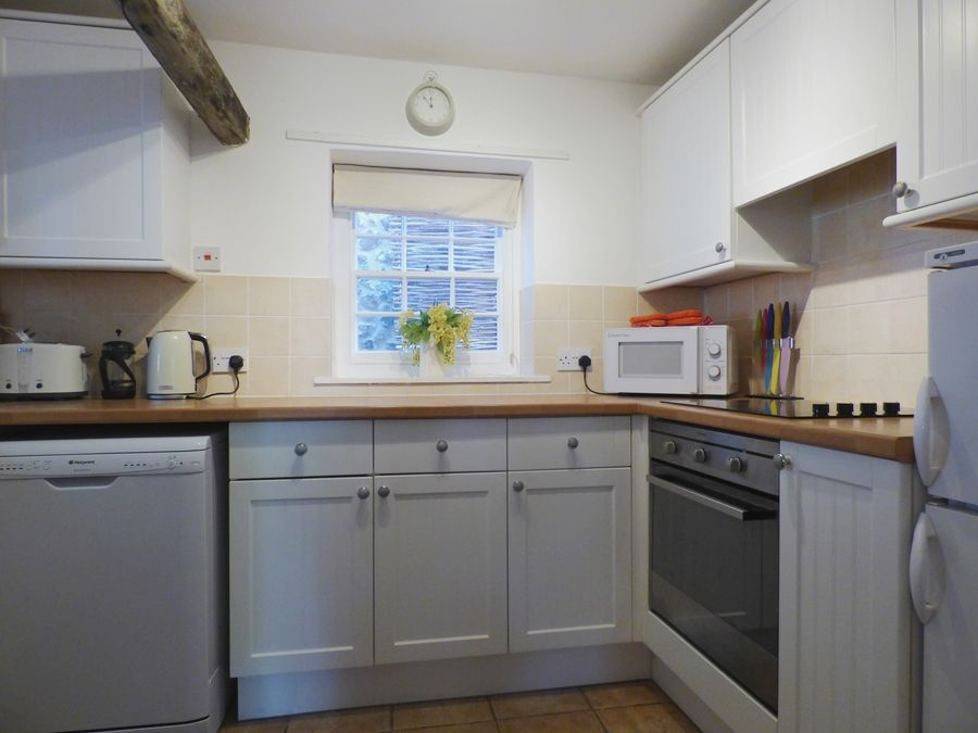 Crows Nest Cottage | Kitchen