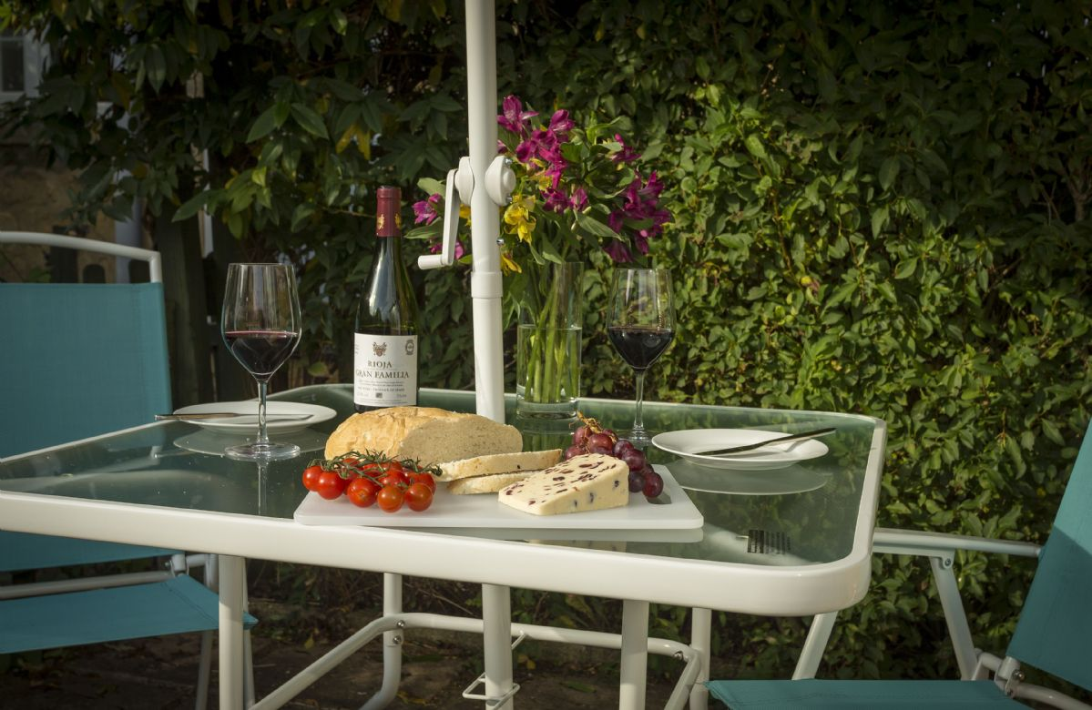 Delicious and fresh local produce to enjoy al fresco on the patio area
