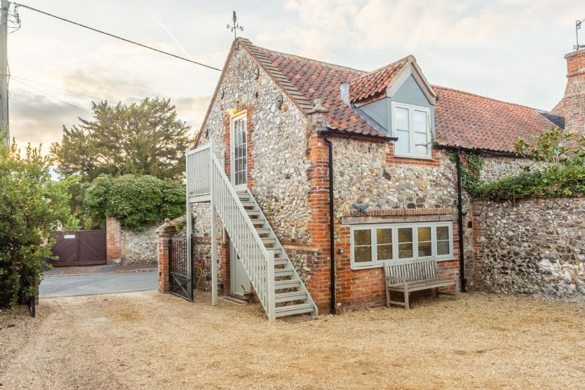 Exterior: Private one bedroom annexe is separate to the main house