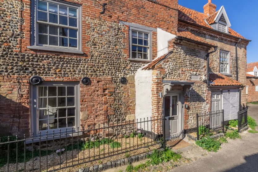 Ground floor: Front of St Michael's Cottage facing onto Jicklings Yard