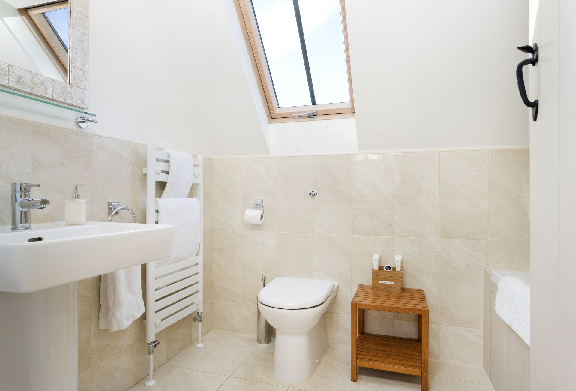 The Hayloft: Bathroom