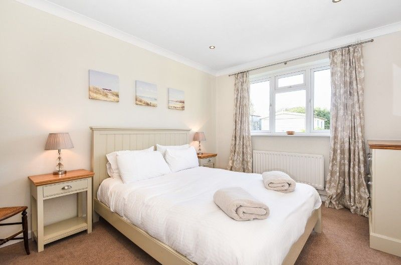 Little Tern   Bedroom 1