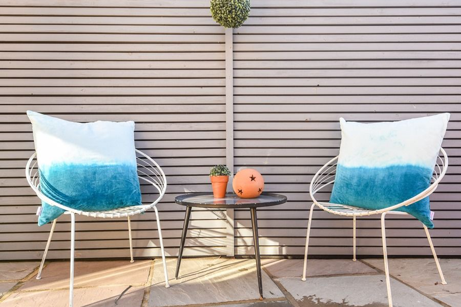Star Cottage | Outside chairs