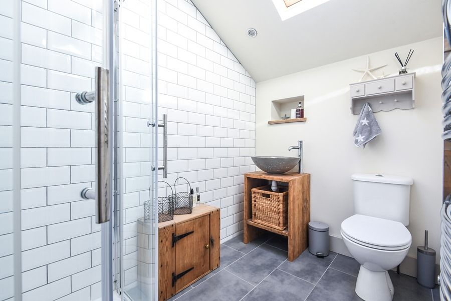 Star Cottage | Shower room