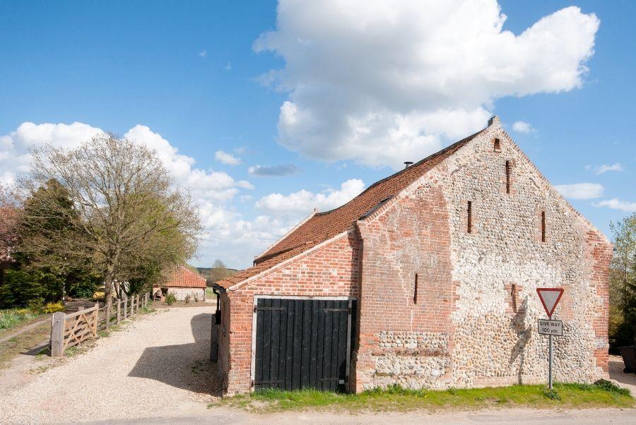 Lancaster Barn | Approach