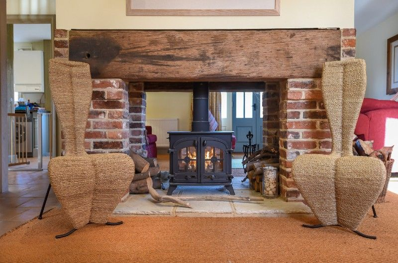 3 Links Court | Fireplace