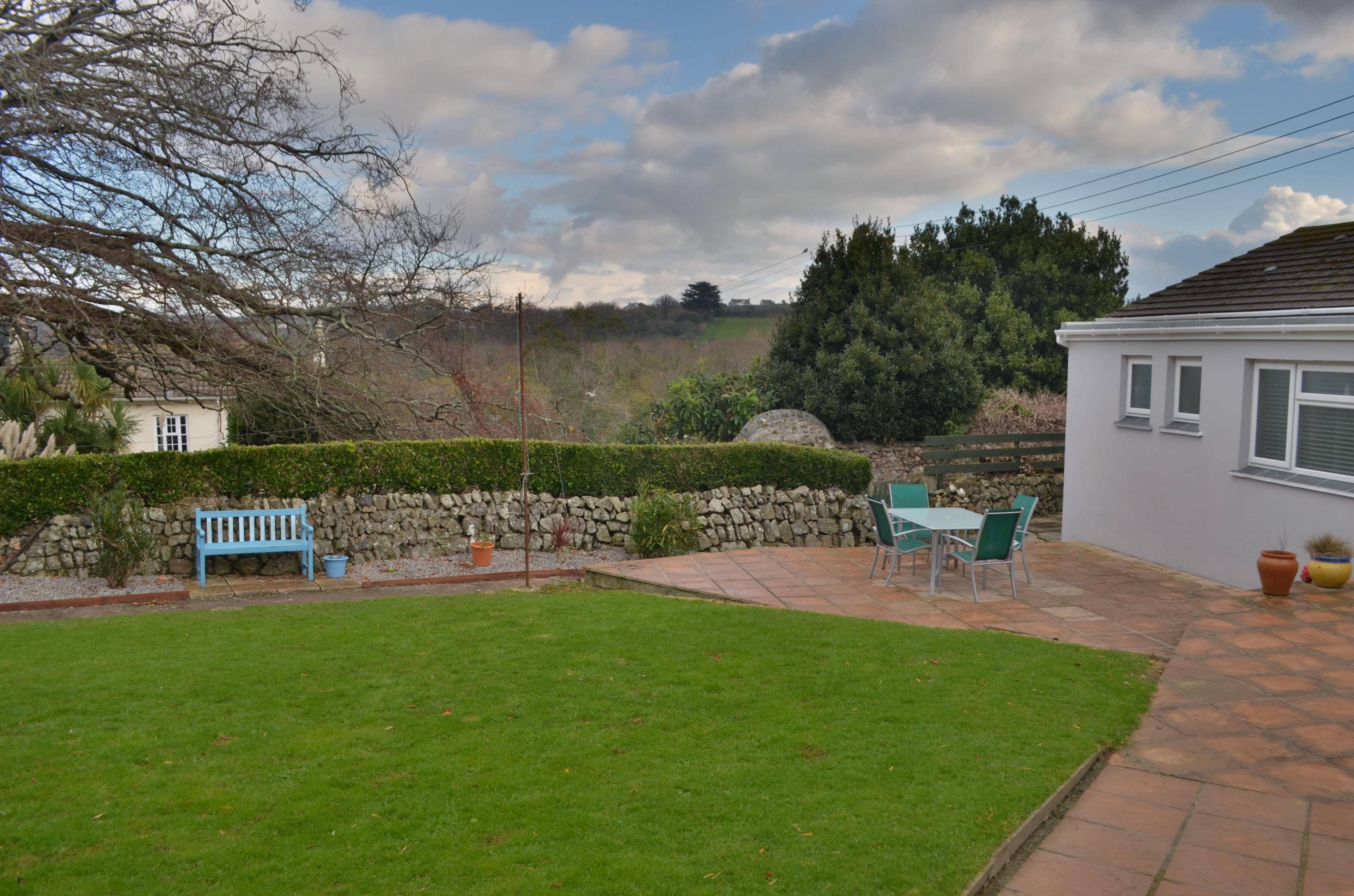 Large level garden