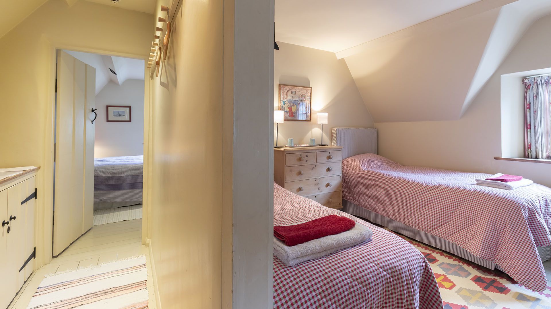 Twin room and hallway, Church Cottage, Bolthole Retreats