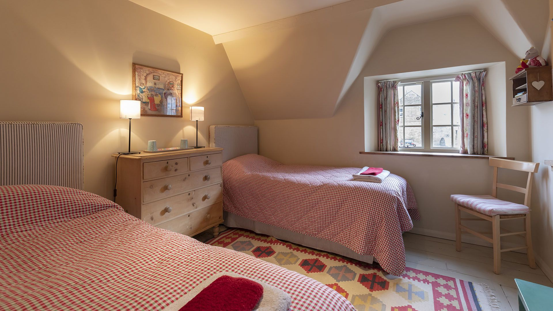 Bedroom 2, twin, Church Cottage, Bolthole Retreats