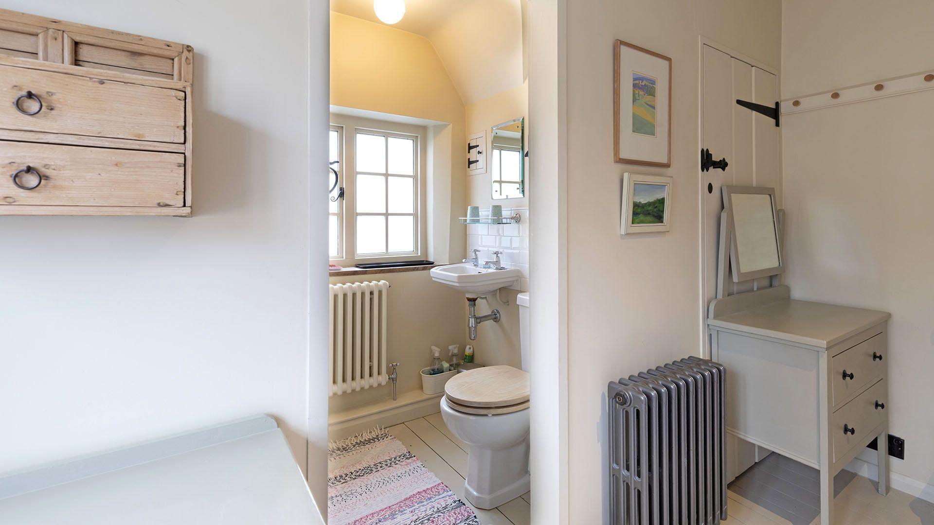 En suite with shower, Church Cottage, Bolthole Retreats