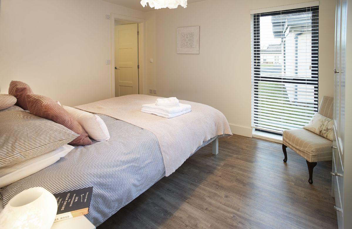 Ground floor: En suite shower room from the master bedroom