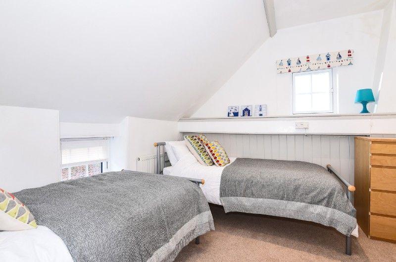 Wentworth Retreat | Bedroom 4 twin room