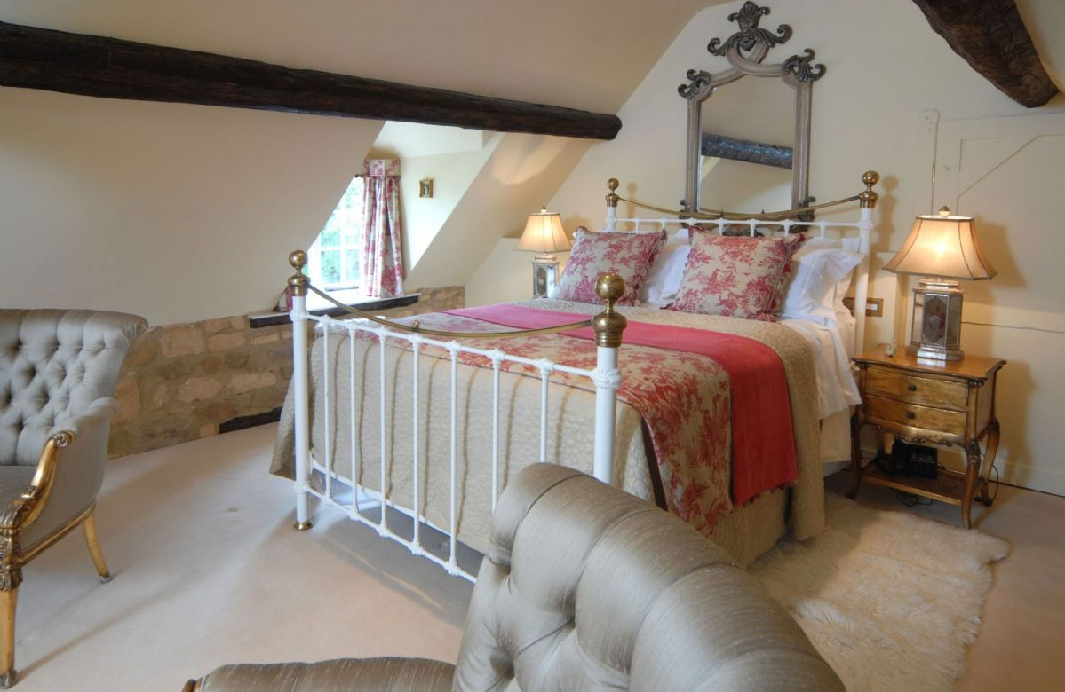 First floor:  Double bedroom with king size bed