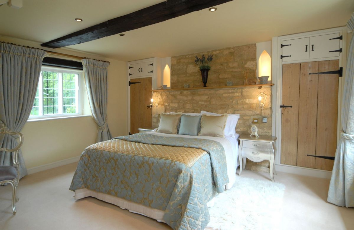 Second floor:  Master bedroom with king-size bed and en-suite shower room