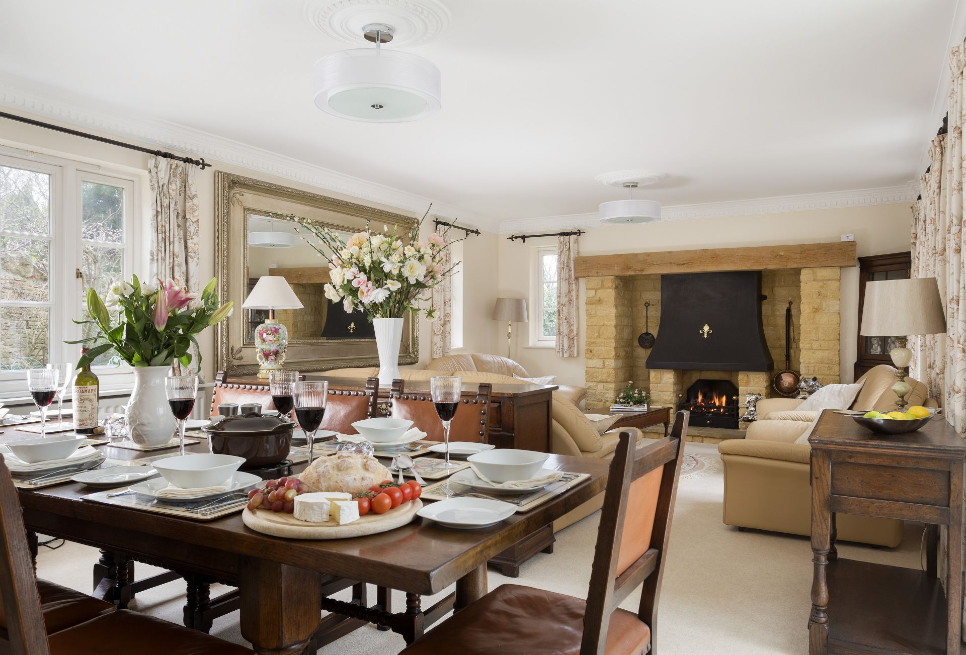 Enjoy a delicious meal and retire to the sitting room with fireplace